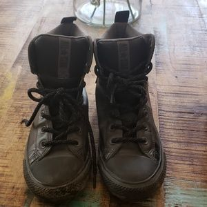 Size 5 black high top converse